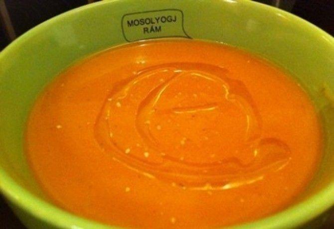 Egyszerű vegán sütőtökkrémleves recept képpel. Hozzávalók és az elkészítés részletes leírása. Az egyszerű vegán sütőtökkrémleves elkészítési ideje: 30 perc