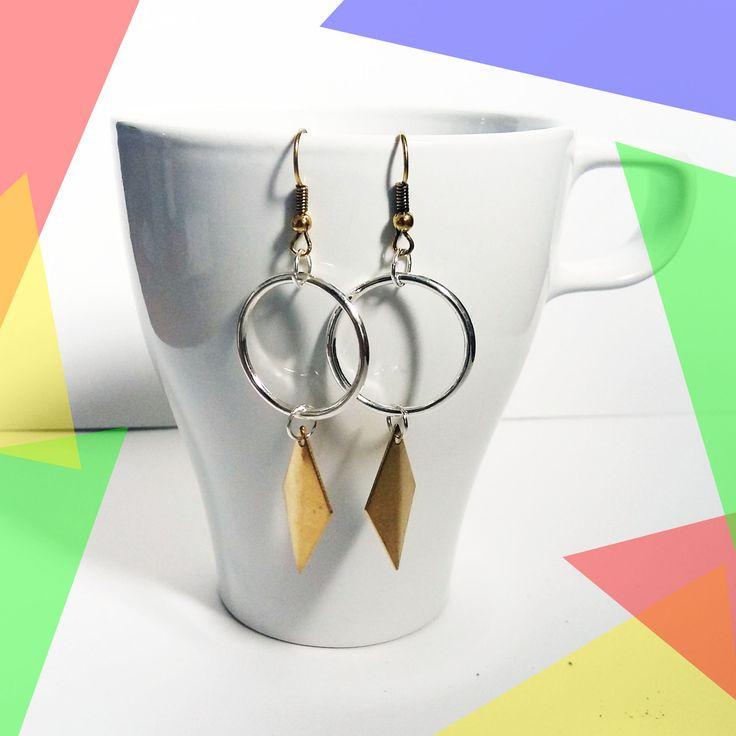 Boucles d'oreilles dorée argentées élégantes minimalistes pendantes