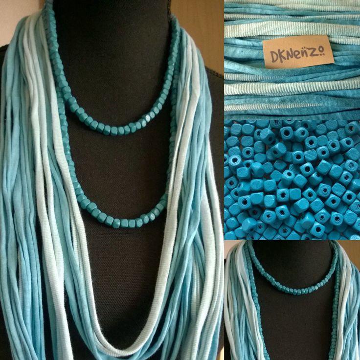 Tshirt Scarf in verschillende tinten aqua blauw en wit en 1 losse halflange Kralenketting in de kleur: aqua blauw door DKNenzo op Etsy
