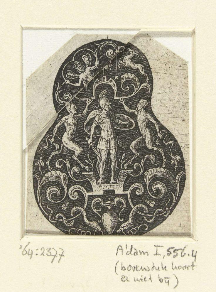 Etienne Delaune | Mars, geflankeerd door twee saters, Etienne Delaune, 1528 - 1573 | Uit serie van 8 bladen met peervormige vlakdecoraties.
