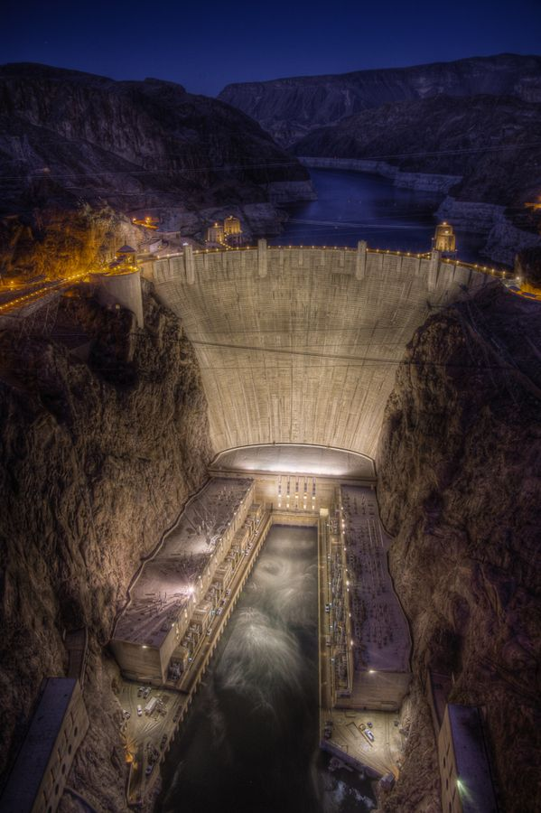 ✮ Hoover Dam - Nevada, USA; locals call it Boulder Dam!!!---Went there with my brother  daddy two places at once :)