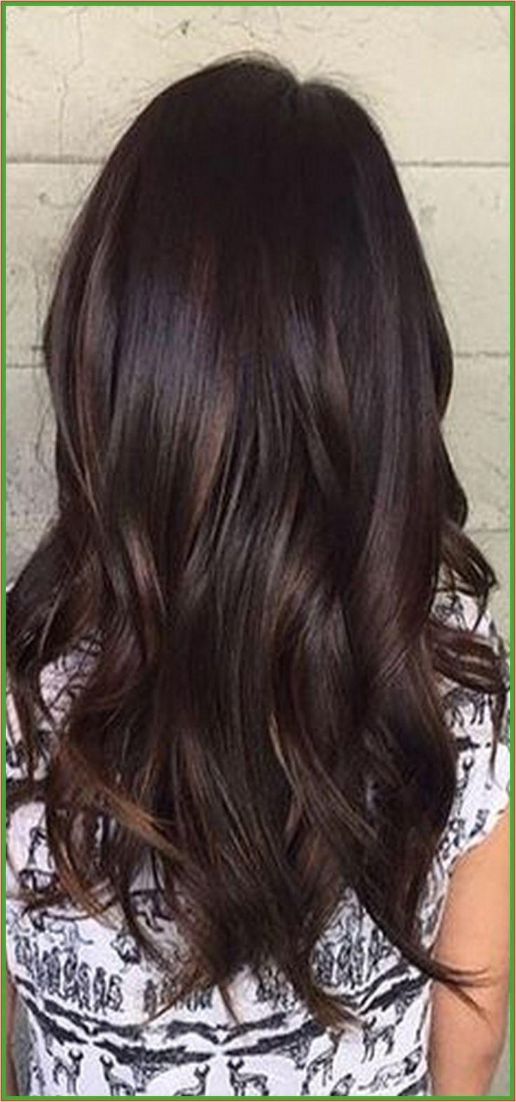 Frisuren für langes Haar mit Farbe