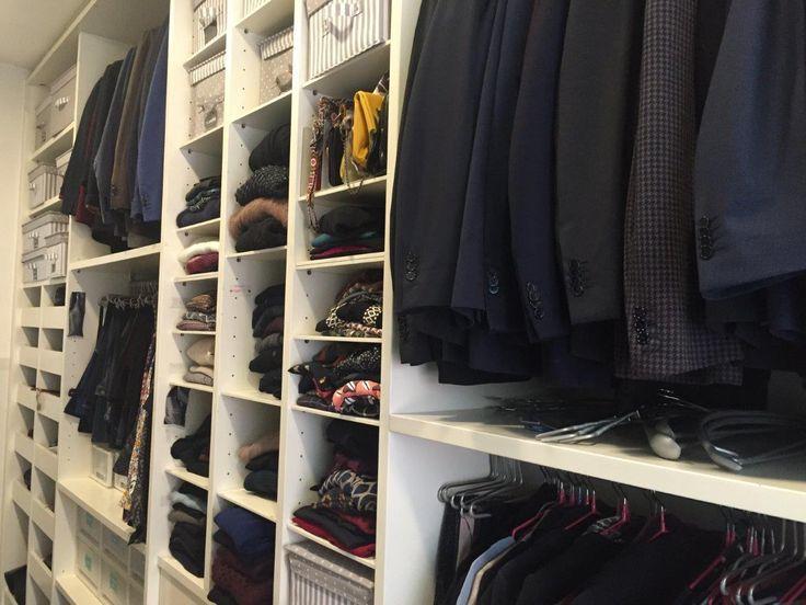 Il posto dove riponete i vestiti più che un armadio somiglia a una scena del crimine? Niente paura, capita anche nelle migliori famiglie.