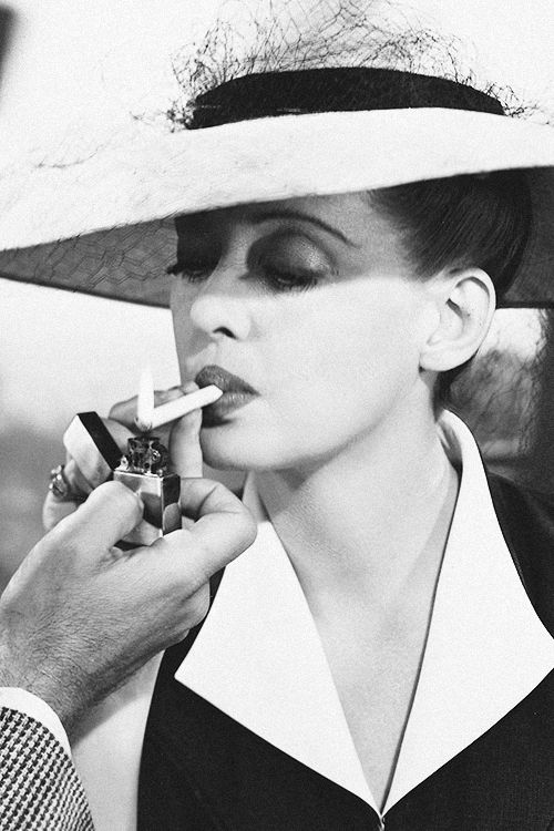 avagardner: Bette Davis as Charlotte Vale in Now Voyager 1942. My blog posts