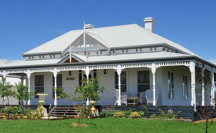 Harkaway homes classic victorian and federation verandah for Homes with verandahs all around