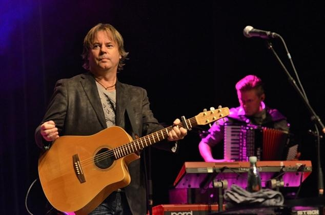 Bruce Guthro (born August 31, 1961) is a Canadian singer / songwriter, from Cape Breton Island, Nova Scotia. Guthro has recorded as a solo artist, and in 1998 also joined Scottish folk rock band Runrig, whilst still pursuing his solo career. Guthro has received several ECMA's (East Coast Music Awards), and was also host of Canadian TV show 'Songwriters Circle'.