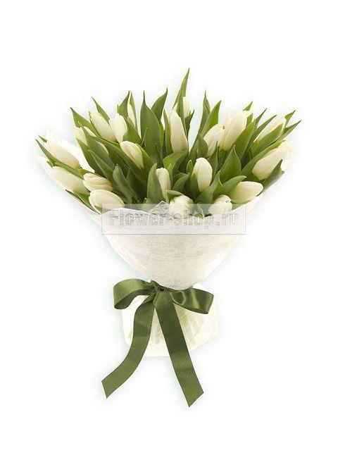 Букет из белых тюльпанов с доставкой по Москве / Flower-shop.ru - служба доставки цветов
