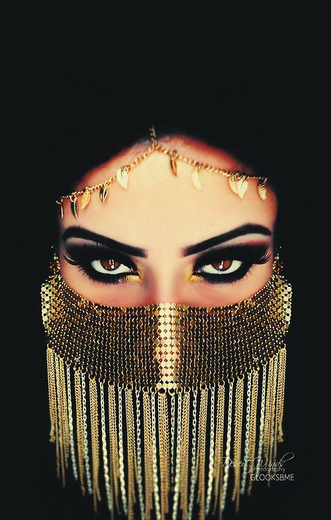 Model: Glooksbme Face veil from: instagram.com/freshalamode #arab #eyes