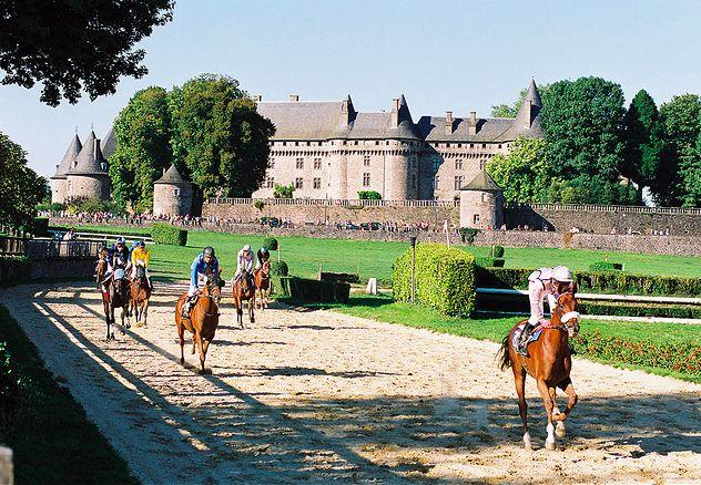 Course de Pompadour - Corrèze © Correze Tourisme #YesYouAre #Limousin