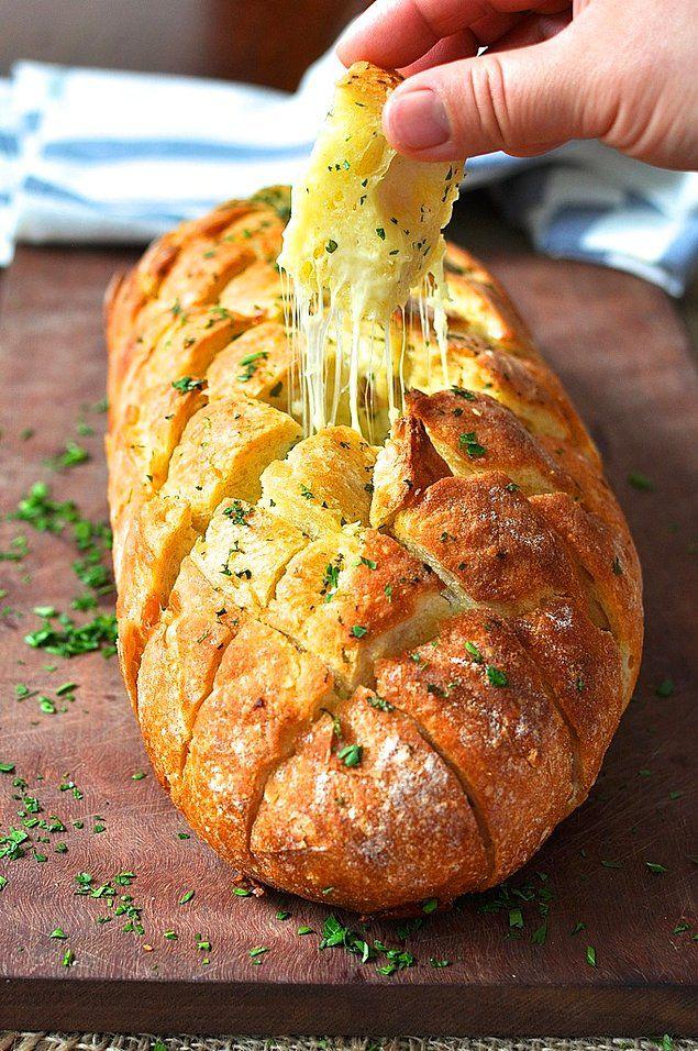 Bizim ev kalabalık bunlar ufak tefek şeyler derseniz kocaman bir somun ekmek şipşak kahvaltı olabilir.