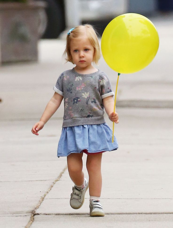 52064133 Pregnant actress and busy mom Emily Blunt is seen leaving The Yellow Balloon in Studio City, California after taking her daughter Hazel to get a haircut on May 19, 2016. Emily is currently expecting her second child with husband John Krasinski. FameFlynet, Inc - Beverly Hills, CA, USA - +1 (310) 505-9876