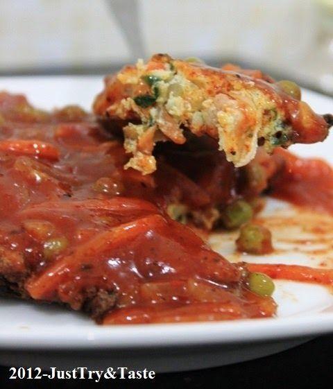 Fu Yung Hai dengan Daging Ayam, Sawi dan Wortel