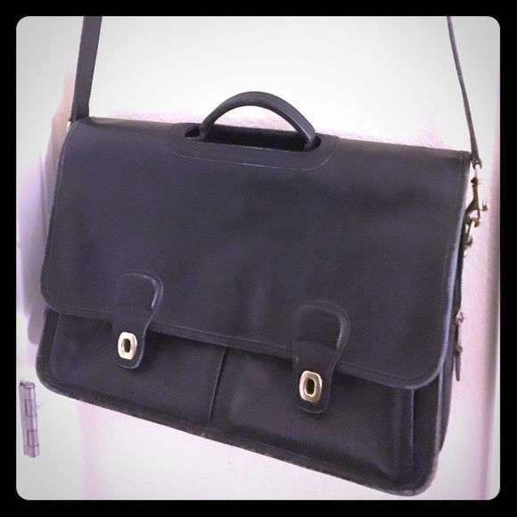 Coach briefcase Great business Coach briefcase. A few scuffs but nothing major. Interior super clean. Coach Bags Crossbody Bags