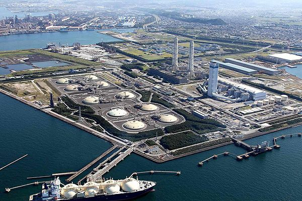 Seventh Biggest TEPCO's LNG-based 5,040MW Futtsu power station is located in Chiba, Japan. Other images @ http://www.power-technology.com/features/feature-giga-projects-the-worlds-biggest-thermal-power-plants/