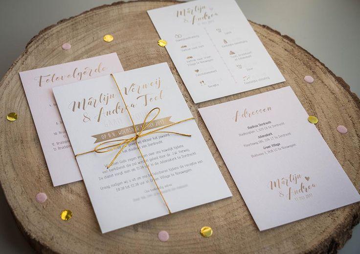 Trouwkaart Martijn & Andrea - Ontwerp Marjolein Vormgeving #trouwkaart #ontwerp #opmaat #trouwkaarten #persoonlijk #kaarten #trouwen #roze #goud #gold