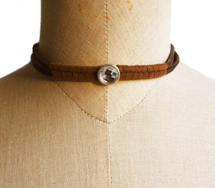 Cuero marrón, ante y brillante. Perfecto para cualquier ocasión. www.lanadepez.com