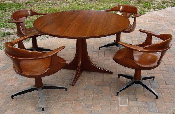 Heywood wakefield dining gaming table chairs set 1960s for Table 6 kemble inn