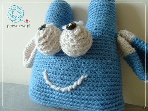 blue-white buddy by Cathliin