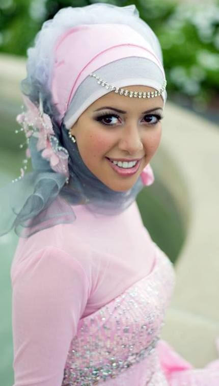 Gorgeous engagement floral hijab style.