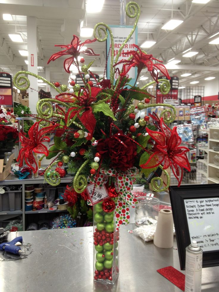Christmas Cheer Christmas Entryway Floral Arrangement