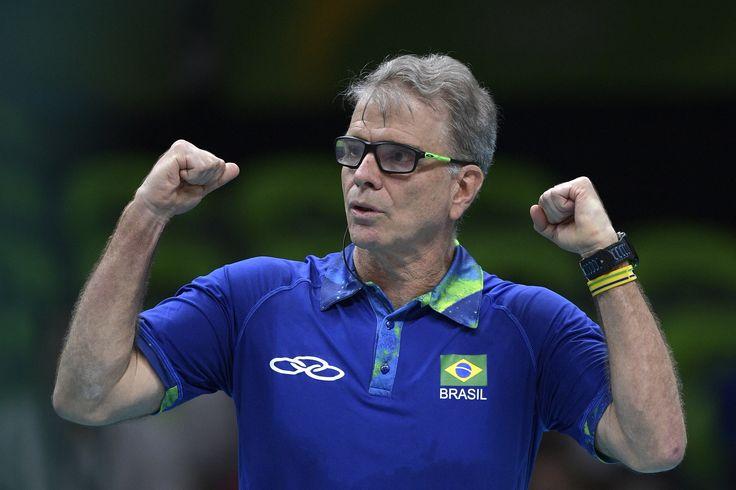 """Após ouro, Bernardinho não garante permanência:  """"Está na hora de refletir"""" #globoesporte"""