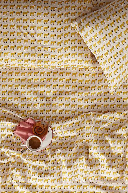 #chambre #housse #couette #linge #lit #petits #motifs #animal #blanc #jaune