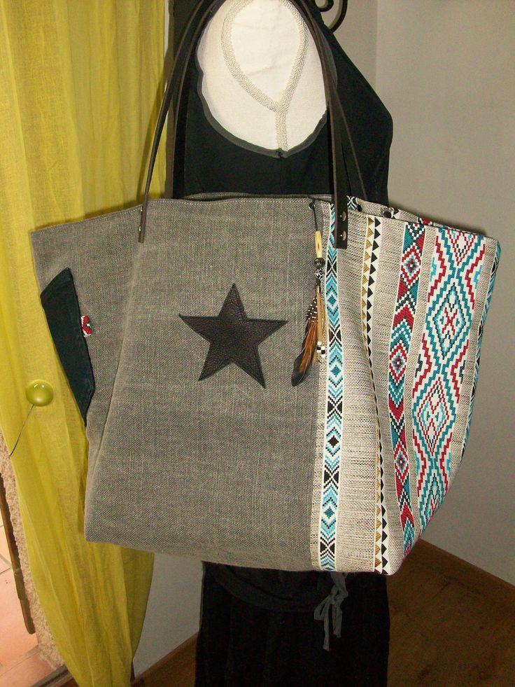 Sac cabas en toile de lin épais et tissu ethnique , étoiles et anses en cuir