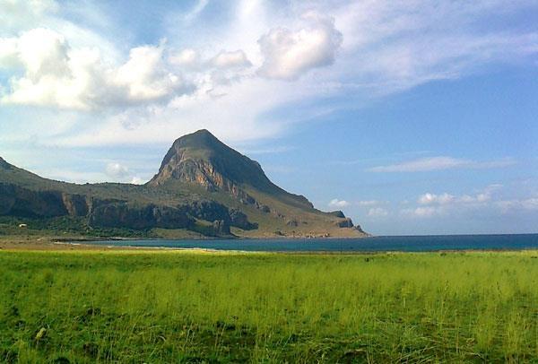 Monte Cofano visto dalla piana di Castelluzzo ( San Vito Lo Capo)