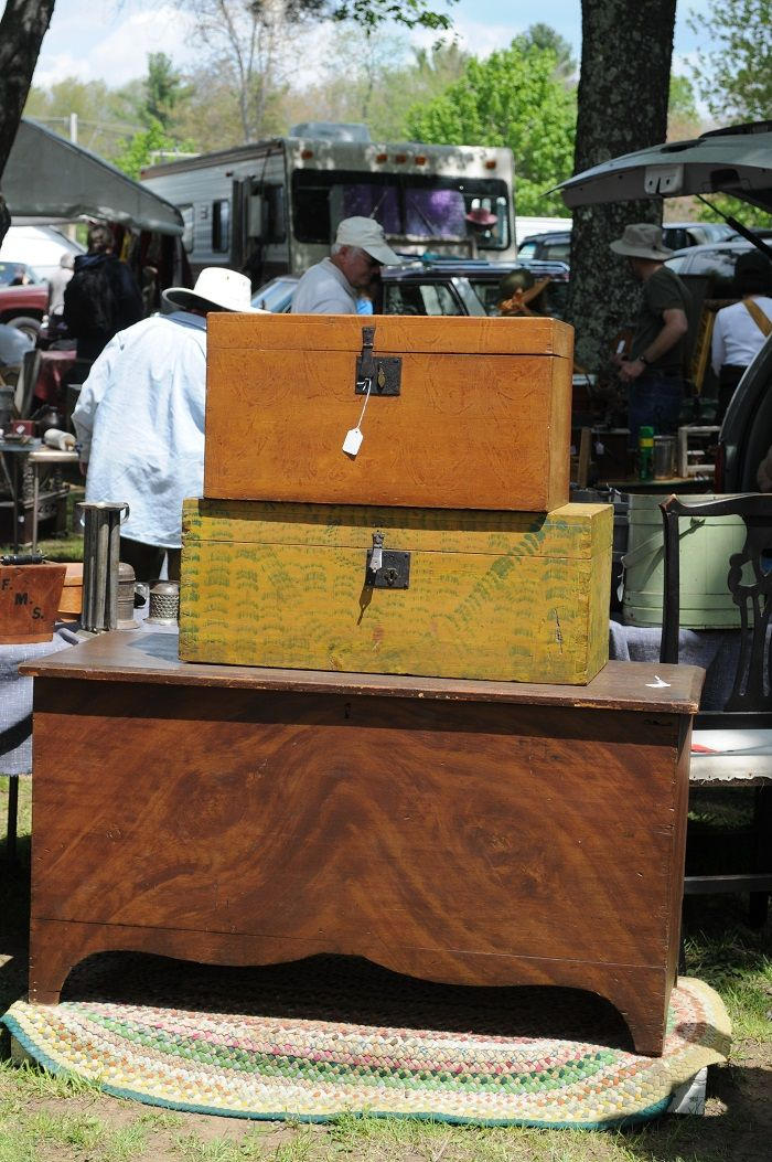For more than 50 years now, antique dealers and collectors have traveled from throughout the United States and abroad to attend the world famous Brimfield (MA) Flea Markets. The popular events are held three times each year, in May, July and September for a six day period each time.  Although it may appear to be one huge event, the Brimfield Flea Markets are actually comprised of about twenty individually owned and operated show fields. #fleamarkets #vintage #antiques #rummagearama