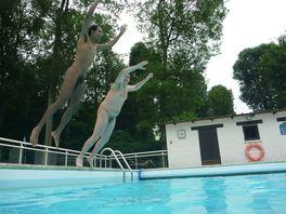 Les 138 meilleures images du tableau naturisme sur for Piscine villecresnes