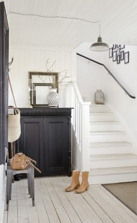 Witte trap met zwarte trapleuning mooi t huis pinterest staircase handrail met and black - Huis trap ...