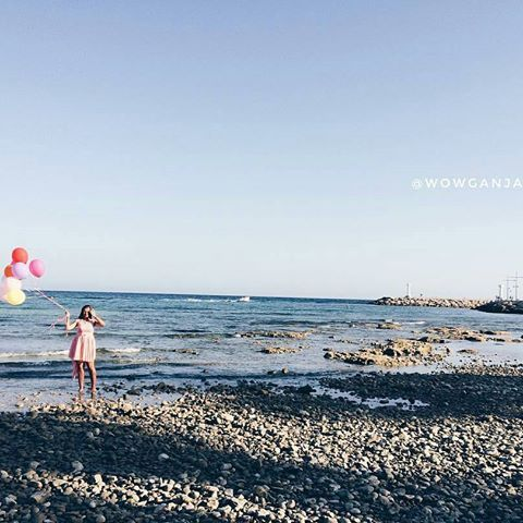 Tuesday's mood like.. 🎈🎈🎈 #grecianbay #beachday #cyprus #ayianapa #ig_cyprus 📷 @wowganja