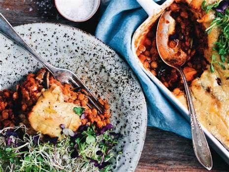 Moussaka med sötpotatis och aubergine. Supergod och mättande vegorätt.