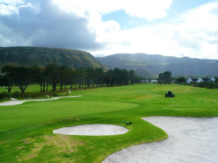 For a golfing holiday, Hermanus offers the perfect retreat and keen golfers can enjoy two championship golf courses including Hermanus Golf Club only 2 minutes from The Whale Coast Hotel and Arabella Golf Estate 15 minutes away1 hours drive from La Cle des Montagnes!