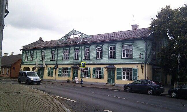 Antiguo hotel de vacaciones para moscovitas en la costa oriental de Estonia