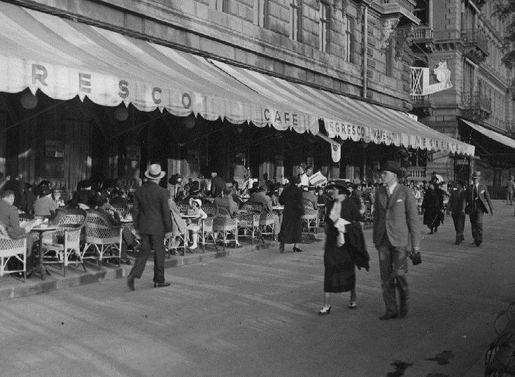 Dunakorzó, Budapest [1930s].