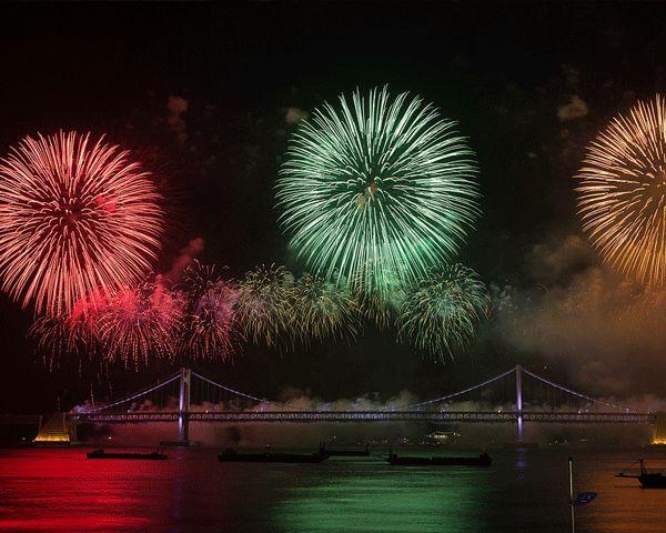 Diwali 2016 USA & UK: Where to Watch Best Fireworks Display - http://www.morningledger.com/diwali-2016-usa-uk-where-to-watch-best-fireworks-display/13115733/