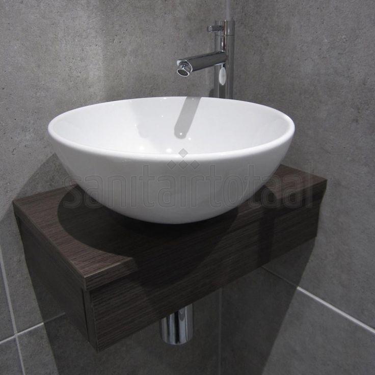Badkamer betonlook tegels, toilet betonlook, cire, mozaiek tegels toilet, inspiratie ideeen, toilet fonteintje, toilet wasbak