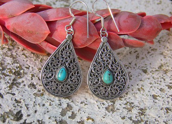 Silver and turquoise earrings. Pendientes de plata. Pendientes India. Joyería étnica. Pendientes étnicos. Joyería India.