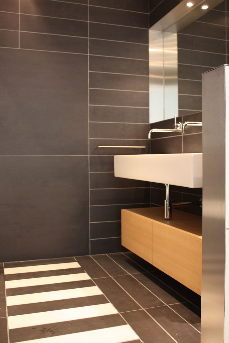 17 best images about mk js interieur verbouw on pinterest tvs garage and met - Badkamer met parketvloer ...