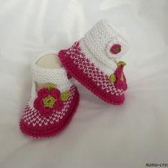 """Chaussons bébé tricotés forme babies, tricot 100% coton"""" fuschia,blanc"""" naissance à 3 mois"""