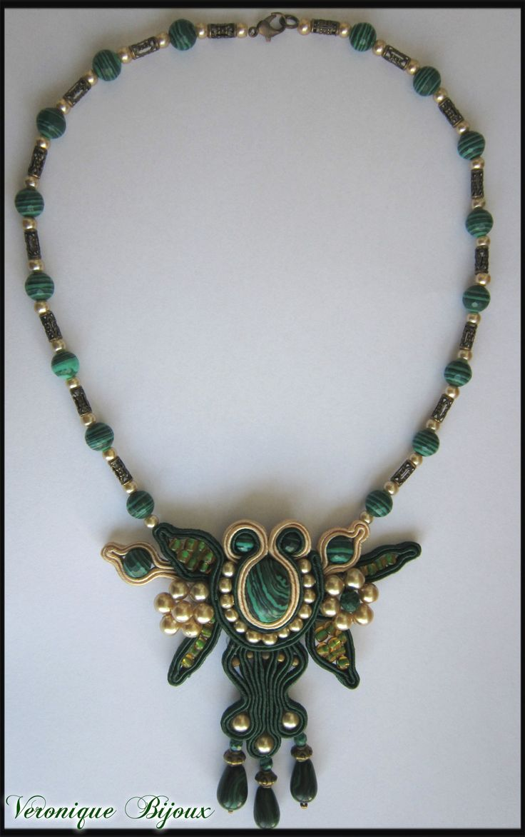 """""""Green and gold"""" necklace soutache"""