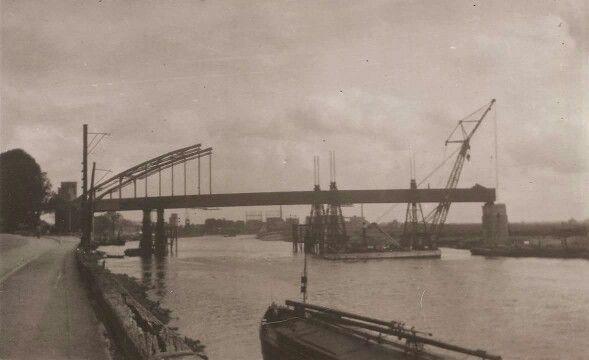 Wilhelminabrug in aanbouw