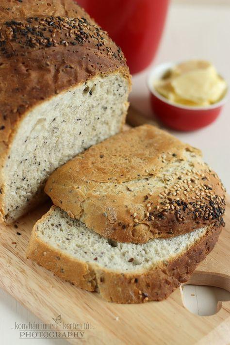 Október 16. a Kenyér Világnapja , immár harmadik éve sütök kenyeret e jeles nap alkalmából. :) Igazából már évek óta s...