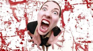 La rabbia, o meglio l'ira, è uno di quei sentimenti che, prima o poi, tocca tutte noi. È uno stato psichico alterato, suscitato da un qualche elemento di provocazione, che va a incidere sui freni inibitori della persona. L'ira può essere semplicemente episodica oppure caratteriale, genetica, e rimanere passiva o rivelarsi in comportamenti aggressivi.