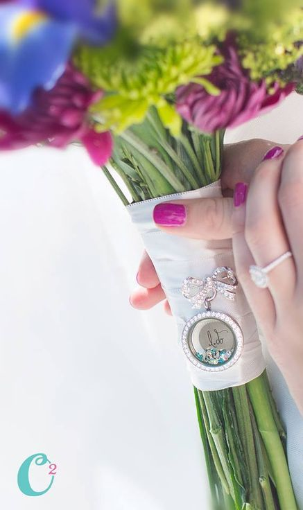 Bouquet pin with Origami Owl locket and charms. Great way to remember a loved one on your special day or put in charms that remind you of your Groom. Bridal party gifts. Mother or the Bride, Mother of the Groom, Bridesmaids gifts.
