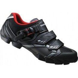 Las Zapatillas Shimano M088 son unas zapatillas con una excelente relación calidad-precio que te aportan la probada excelencia de Shimano en el diseño, fabricación y control de calidad. DISPONIBLES DESDE EL NÚMERO 39 AL 48 POR SÓLO 67,58€ Zapatillas Shimano M088 Negro En tu tienda online accesorios ciclismo www.bikepolis.com