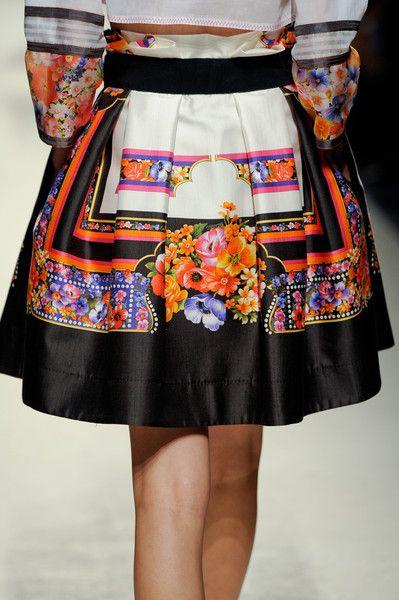 Alberta Ferretti Clp Tris Spring 2014 - Details