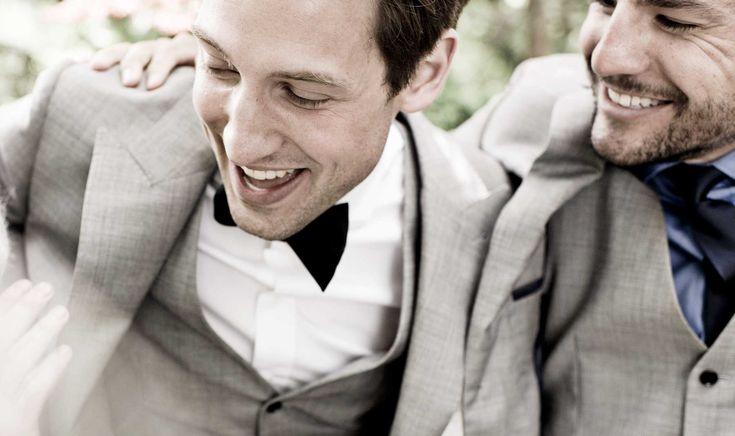 Il tuo migliore amico ti ha chiesto di fargli da testimone di nozze, sei euforico, ancora non hai realizzato del tutto cosa comporta. Sarai a fianco a lui nel giorno più importante della sua vita. Dopo averne passate insieme di cotte e di crude, lui mette la testa a posto. #bestman #weddingsuit