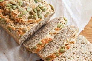 Busy-People-Brot Rezept: Honig,Trockenhefe,Mehl,Vollkornmehl,Salz,Sonnenblumenkerne,Kürbiskerne